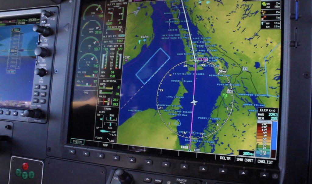 TBM850: Flying Fast, Far, and High! Mini Airliner – RVSM FL300 + Tough CrossWind Landing - MFD